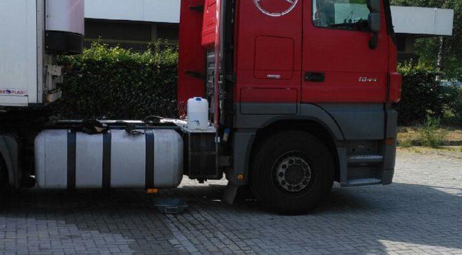 Nr.24>Rund 50 Liter Diesel aus aufgerissenem LKW-Tank ausgetreten